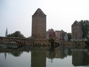 Башни мостов Маленькой Франции