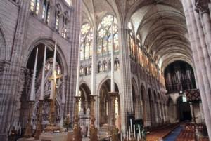 Интерьер церкви Сен-Дени