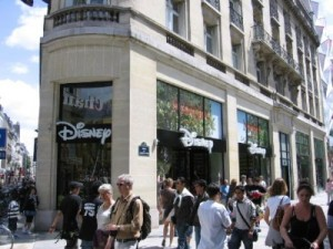 Dinsey Store в Париже