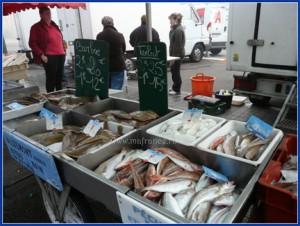 Рыбацкий рынок ранним утром