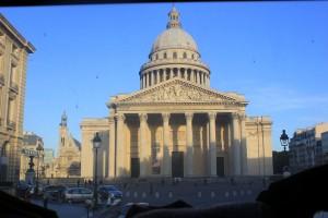 знаменитый Пантеон в Париже