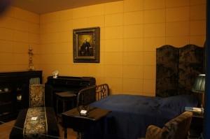 спальня и по совместительству кабинет марселя пруста