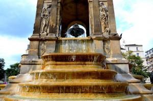 архитектура фонтана невинных