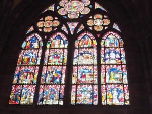 узорчатые окна-витражи страсбургского кафедрального собора