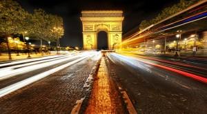 фото триумфальной арки в париже