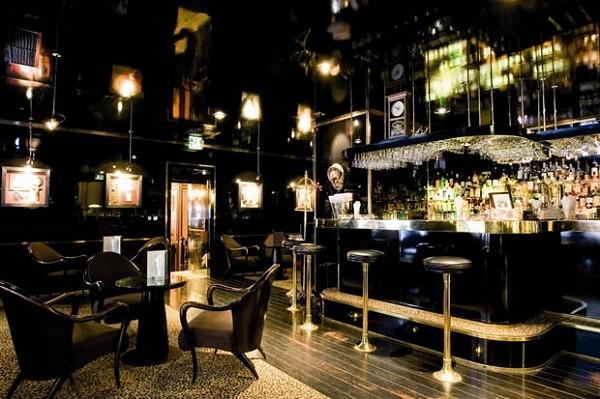 Le Black bar